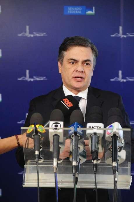 Senador Cássio Cunha Lima (PSDB-PB) concede entrevista