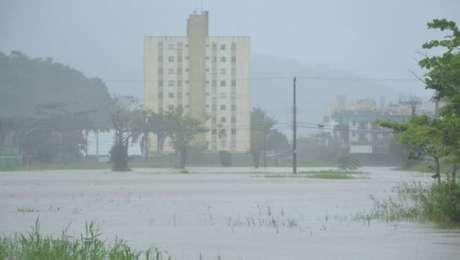 Fortes chuvas atingiram a cidade de Caraguatatuba, litoral norte de São Paulo