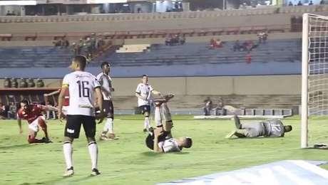 Elias marca na vitória do Vila Nova sobre o Figueirense