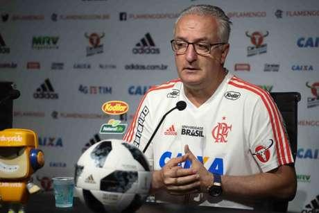 Dorival Júnior durante coletiva no CT Ninho do Urubu (Foto: Gilvan de Souza/Flamengo)