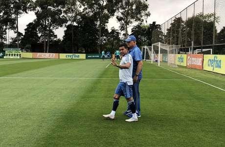 Felipão chegou acompanhado de Dudu no treino desta sexta-feira, na Academia (Foto: Thiago Ferri)