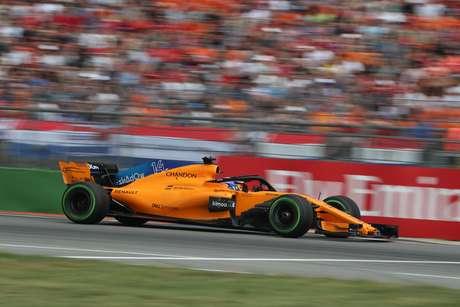 Pela Mclaren, Alonso disputa neste domingo seu 17º GP do Brasil