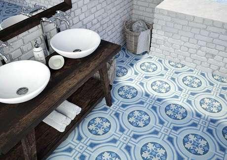 42. Piso hidráulico azul para decoração de banheiro