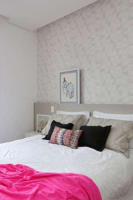 24- Os quadros para quarto podem ser apoiados na cabeceira da cama. Fonte: Archduo Arquitetura