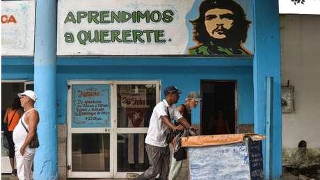 Guevara convidou Lobo a comandar a estatal de açúcar do novo governo em troca de seu império