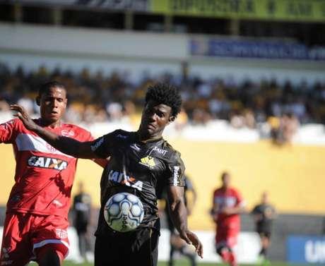 Criciúma e CRB empatam por 3 a 3 pela Série B do Campeonato Brasileiro
