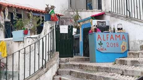 """Ginja e """"Porto wine"""", anuncia ponto comercial em Alfama, Lisboa: Bairro mais antigo da cidade também tem metro quadrado valorizado"""