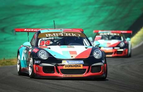"""Em Interlagos, jovem Bruno Baptista """"manda recado"""" para a Porsche"""
