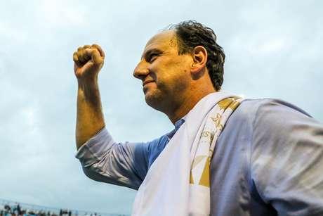 Tecnico Rogerio Ceni do Fortaleza comemora título da serie B durante a partida entre Avai e Fortaleza