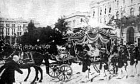 O funeral dos arquiduques em Viena, julho de 1914