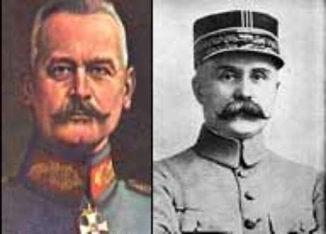 O General Falkenhayn e o general Pétain, o atacante e o defensor