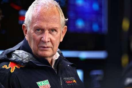 """Marko fala em """"teoria da conspiração"""" após acidente entre Ocon e Verstappen"""