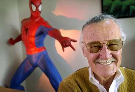 Stan Lee e o Homem-Aranha, uma de suas criações