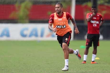 Rômulo foi elogiado e pode ganhar chance com Dorival Júnior (Foto: Gilvan de Souza/Flamengo)