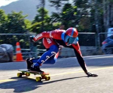 Alysson morreu ao se chocar contra uma moto da organização do evento no Rio (Reprodução)