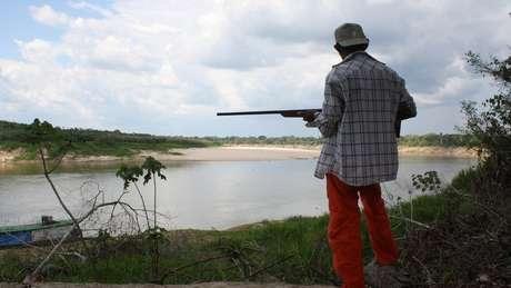 As praias são protegidas por vigilantes locais durante toda a época reprodutiva das tartarugas, que dura cinco meses por ano