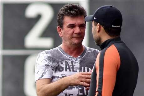 Andrés Sanchez busca reforços para o Timão na Europa (Foto: Eduardo Carmim/Photo Premium)