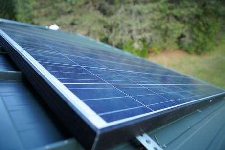 Demanda por instaladores de painéis solares é uma das que têm viés de alta