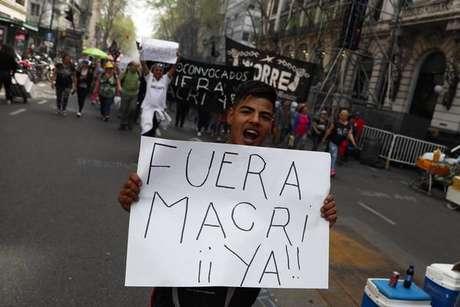 Em meio a protestos, Senado da Argentina vota orçamento