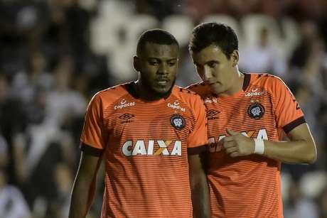 Marcelo Cirino e Pablo, do Atlético Paranaense