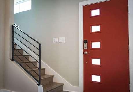 2. As portas de madeiras são as que mais passam pelo processo de laqueação