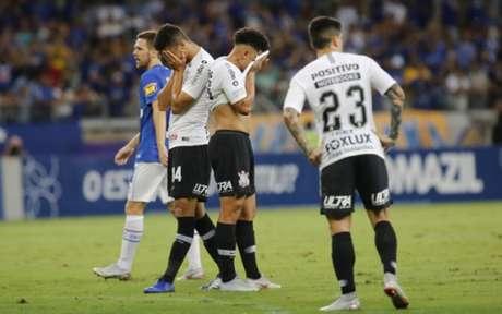 Corinthians sofreu outra derrota no Brasileirão e ainda precisa fugir da zona da degola (Foto: Fernando Michel)
