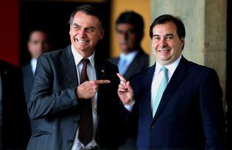 O presidente da Câmara dos Deputados, Rodrigo Maia (d), durante encontro com o presidente eleito Jair Bolsonaro (PSL), na sede do Centro Cultural Banco do Brasil (CCBB), sede do governo de transição, em Brasília, na manhã desta quarta-feira, 14.