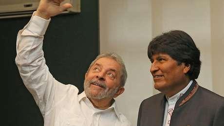 Lula e Evo em foto de 2014; nacionalização do gás boliviano ocorreu durante o governo do petista e gerou polêmica pela ocupação de campos de produção da Petrobras