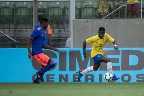 Vinícius Júnior durante o empate do Brasil com a Colômbia por0 a0.