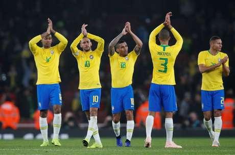 Em amistoso bem morno, a Seleção Brasileira venceu o Uurguai por 1 a 0 com um gol de pênalti convertido por Neymar
