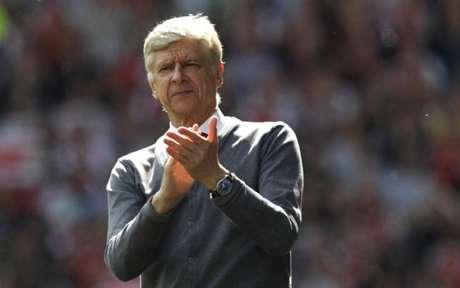 Wenger esteve por 23 anos no Arsenal (Foto: Adrian Dennis / AFP)