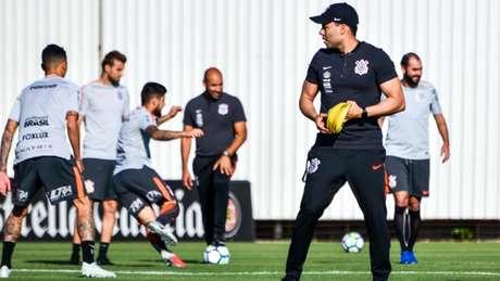Jair Ventura tenta armar Corinthians forte para 'decisão' (Foto: Gero Rodrigues)
