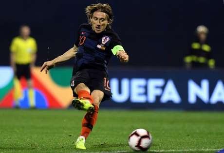 Modric em campo contra a Espanha (Foto: AFP)