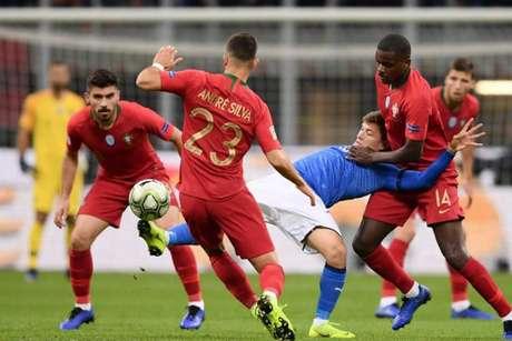 Italianos tiveram mais de 70% de posse no jogo, 14 finalizações, mas não marcaram (MARCO BERTORELLO/AFP)