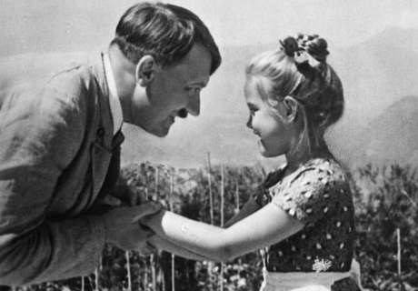 Hitler manteve contato com a menina, a despeito de sua origem judaica