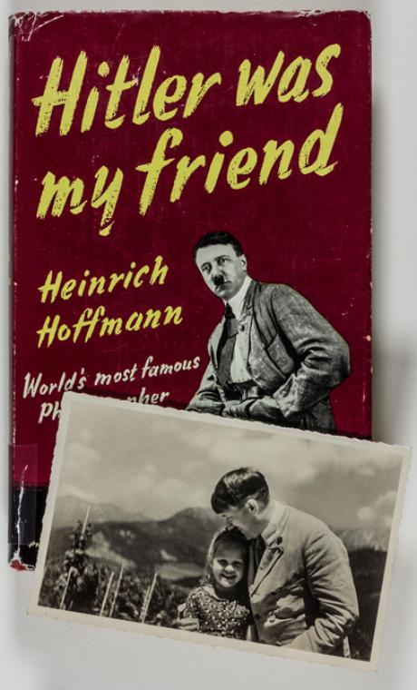 Capa do livro 'Hitler era meu amigo', cujo autor é o fotógrafo que fez a imagem do líder com a menina
