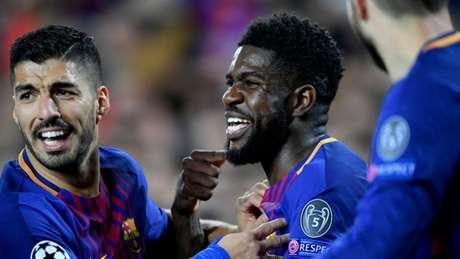 A lesão de Umtiti no joelho ainda preocupa departamento médico do Barça (Foto: AFP)