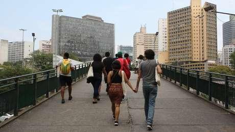 Grupo caminha na região da Nove de Julho