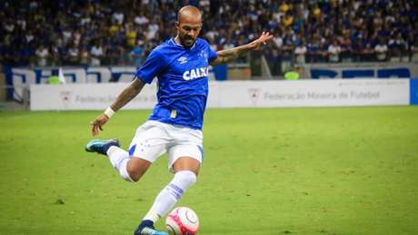 Bruno jogou 33 vezes em 2018 e ainda não conseguiu desempenhar o bom futebol que o trouxe do Botafogo- (Foto: Dudu Macedo/Fotoarena/Lancepress!)