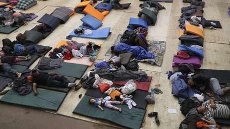 Tijuana preparou um acampamento temporário para receber os migrantes