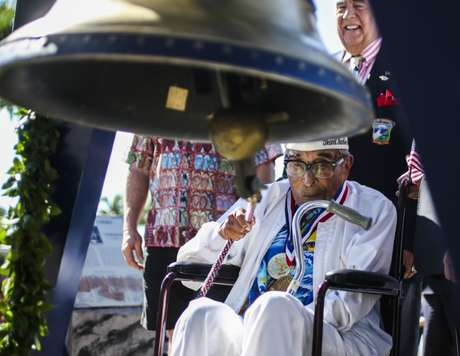 Ray Chavez, sobrevivente mais velho do ataque a Pearl Harbor, durante cerimônia no Havaí 06/12/2016  U.S. Marine Corps/Cpl. Wesley Timm/Divulgação via REUTERS