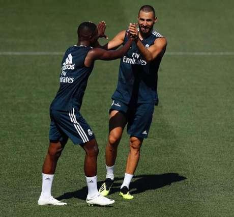 Vinicius Jr e Benzema em treino do Real Madrid (Foto: Reprodução / Instagram)