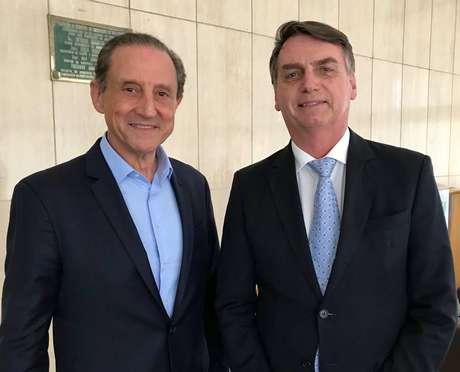 O presidente Jair Bolsonaro, e opresidente da Federação das Indústrias do Estado (Fiesp), Paulo Skaf.
