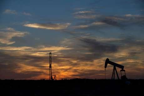 Sondas de petróleo perto de Sweetwater, no Texas 04/06/2015 REUTERS/Cooper Neill