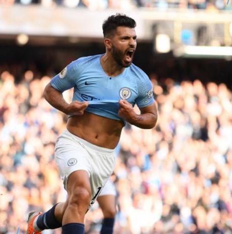 Agüero vem em grande forma no comando do ataque do Manchester City (Foto: Reprodução)