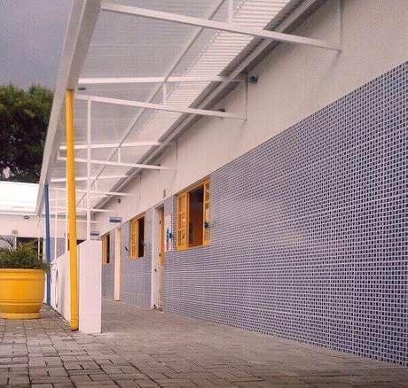 18- O revestimento de parede externa cerâmico protege a edificação da umidade. Fonte: Miliauskas Arquitetura