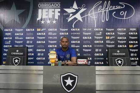 Jefferson, em sua última entrevista coletiva antes do jogo de despedida (Foto: Vitor Silva / SS Press / Botafogo)