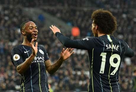 Sterling e Sané foram dois dos destaques do City na partida (Foto: AFP/GLYN KIRK)