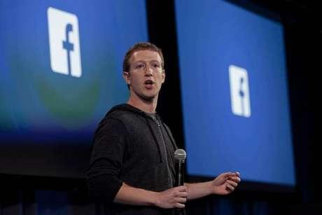 Mark Zuckerberg tem sido pressionado até a deixar o comando do Facebook