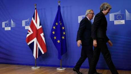 """Um conjunto de """"intenções"""" também foi assinado por líderes europeus para basear as negociações sobre o futuro das relações Reino Unido-União Europeia"""